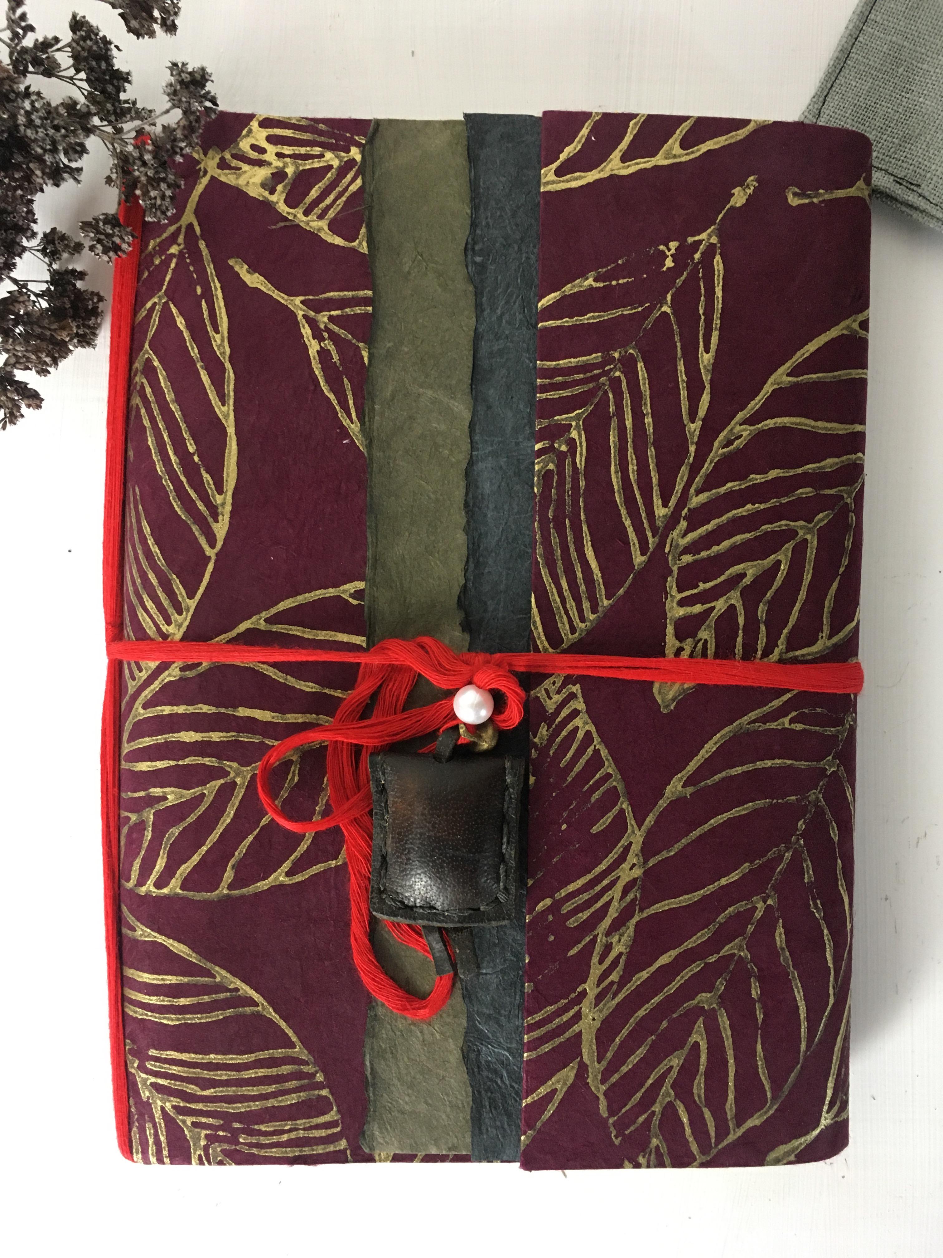 Notizbuch aus Lokta Papier Handarbeit 16 x 21 cm Rot