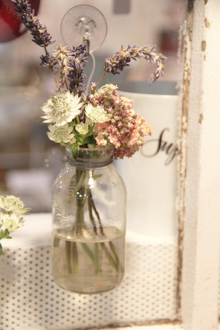 Vase mit Saugnapf zum hängen